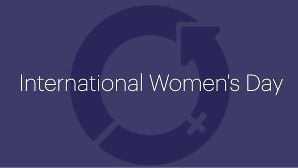 fem kvinnliga ledare som har delat med sig av deras bästa tips och lärdomar.